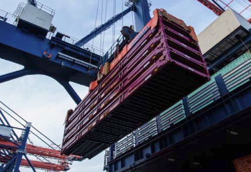 Forwarding company for container transport